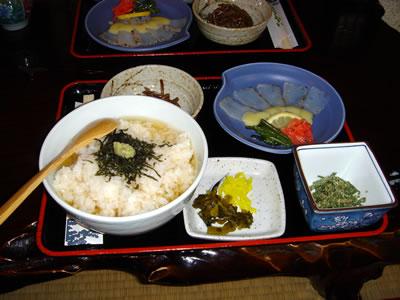 今日のお昼は、津和野ふる里の「うずめ飯」