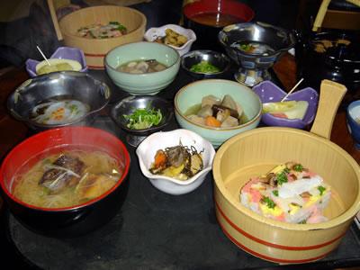 今日のお昼は、岩国寿司定食