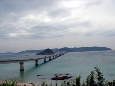 曇なのが残念、角島大橋