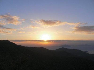 生まれて初めて見たのが、韓国での日の出とは・・・