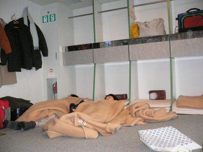 かめりあの2等客室。布団もついてます。