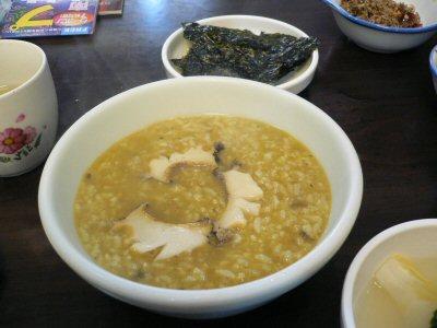済州家名物アワビ粥