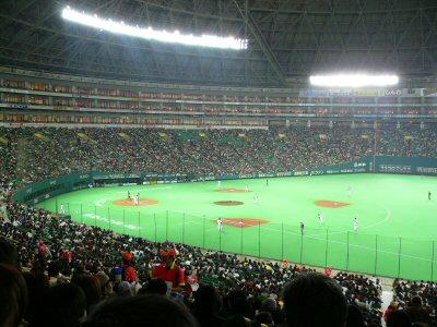 この時間はまだ、さすが開幕!満員に近い福岡ヤフードーム